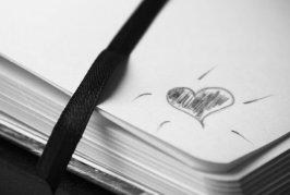 notebook-2247351__340