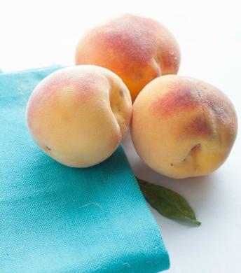 whole-wheat-peach-muffins-1wm.jpg