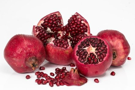 pomegranate-3259161__340.jpg